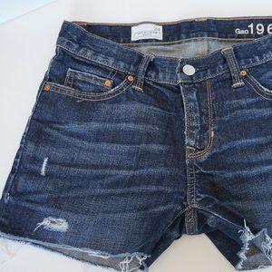 GAP Sexy Boyfriend Denim Shorts - Size 24